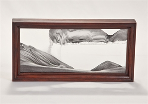 Obrazek W-061: Obrazek piaskowy oprawiony w ramę drewnianą (14,5x29 cm)